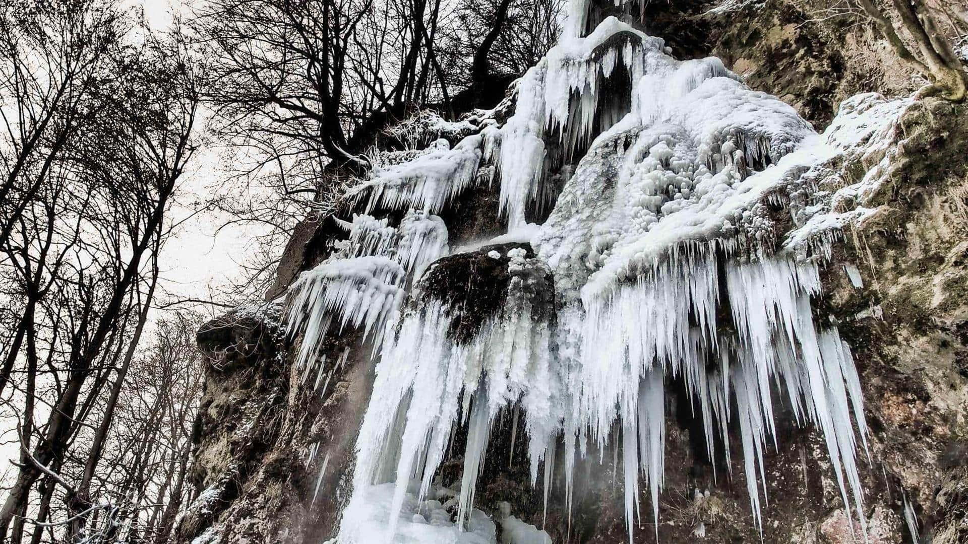 Uracher Wasserfall, Januar 2017 bei - 12 Grad