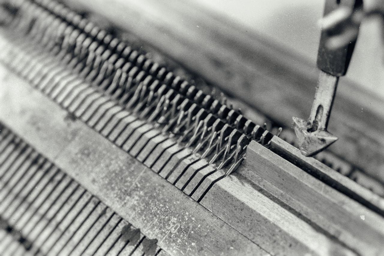 Die Flachstrickmaschinen  • Albgut Manufakturen